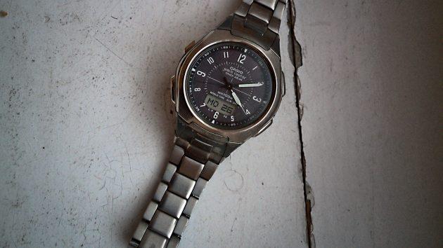 Die Casio WVA-430 Funk-Solar-Armbanduhr